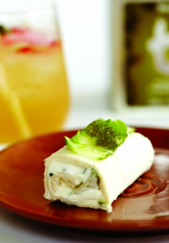 BASIL, CUCUMBER AND CHEESE SANDWICH ROLL