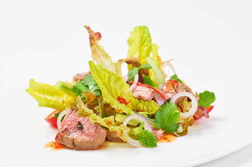Dilmah Pure Peppermint Infused Beef Salad with Spicy Dressing