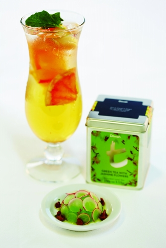 GREEN TEA WITH JASMINE FLOWERS ICED TEA
