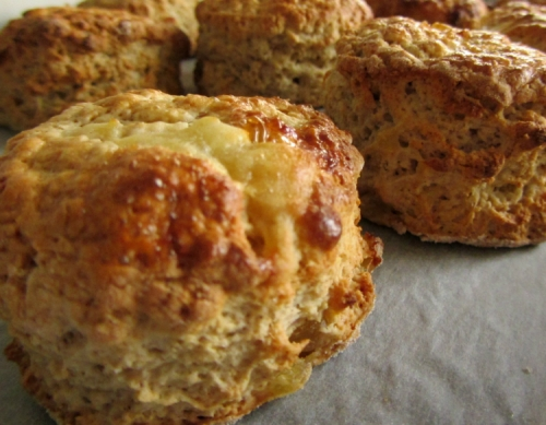 Ceylon Cinnamon Spice Tea with Caramelised apple and cinnamon scones