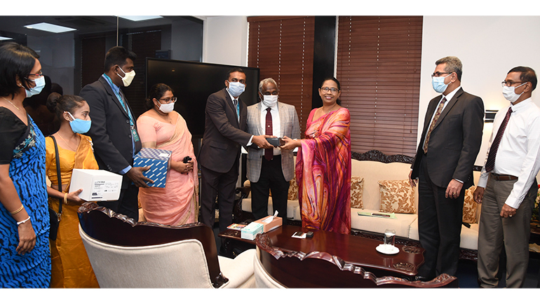 Dilmah Donates 10,000 Covid Testing Kits To The Ministry Of Health