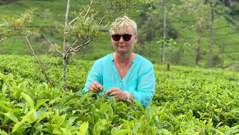 Bartlett Mitchell Signs Exclusive Dilmah Tea Deal