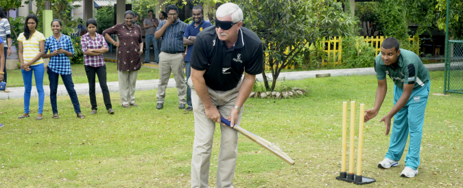 Sir Richard Hadlee shares cricketing tips with underprivileged kids