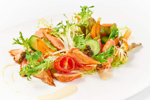 Dilmah Lapsang Souchong Cured Salmon Tataki with Oscietra Caviar and Baby Greens