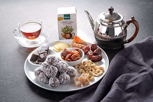 Goji Berry Cashew Chocolate, Turmeric Almond Protein Ball