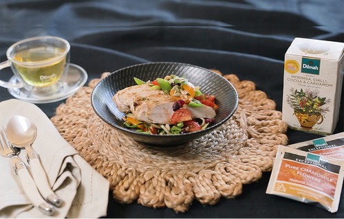 Dilmah Pure Chamomile, Garlic and Onion Crusted Chicken Breast Salad, Red Rooibos with Moringa, chilli, cocoa and cardamom vinaigrette