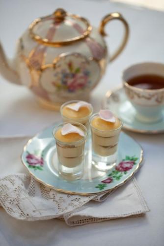 Rose with French Vanilla Tea-a-Misu