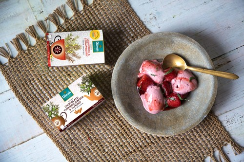 Red Rooibos with liquorice and strawberry ice cream with roasted strawberries