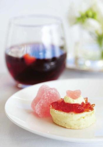 Cassis and Berry Sensation comforter