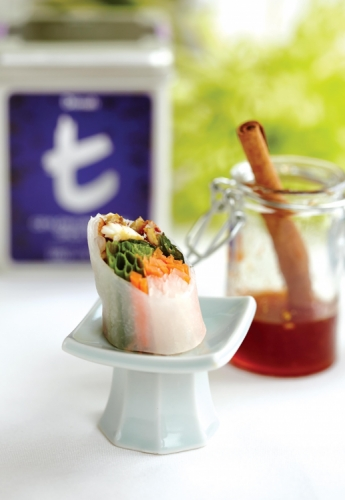 SUMMER ROLL OF KING CRAB SERVED WITH CEYLON CINNAMON SPICE TEA